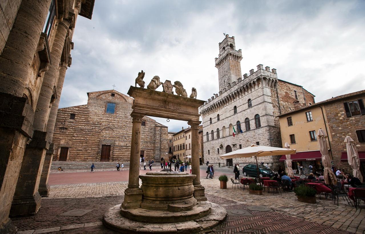 Montepulciano-Piazza-Grande (1)