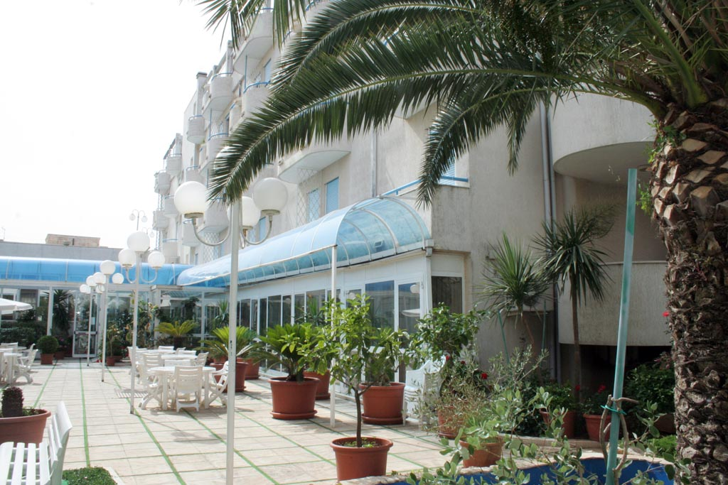 Hotel Eden Beach Club**** Loc. Torre Canne